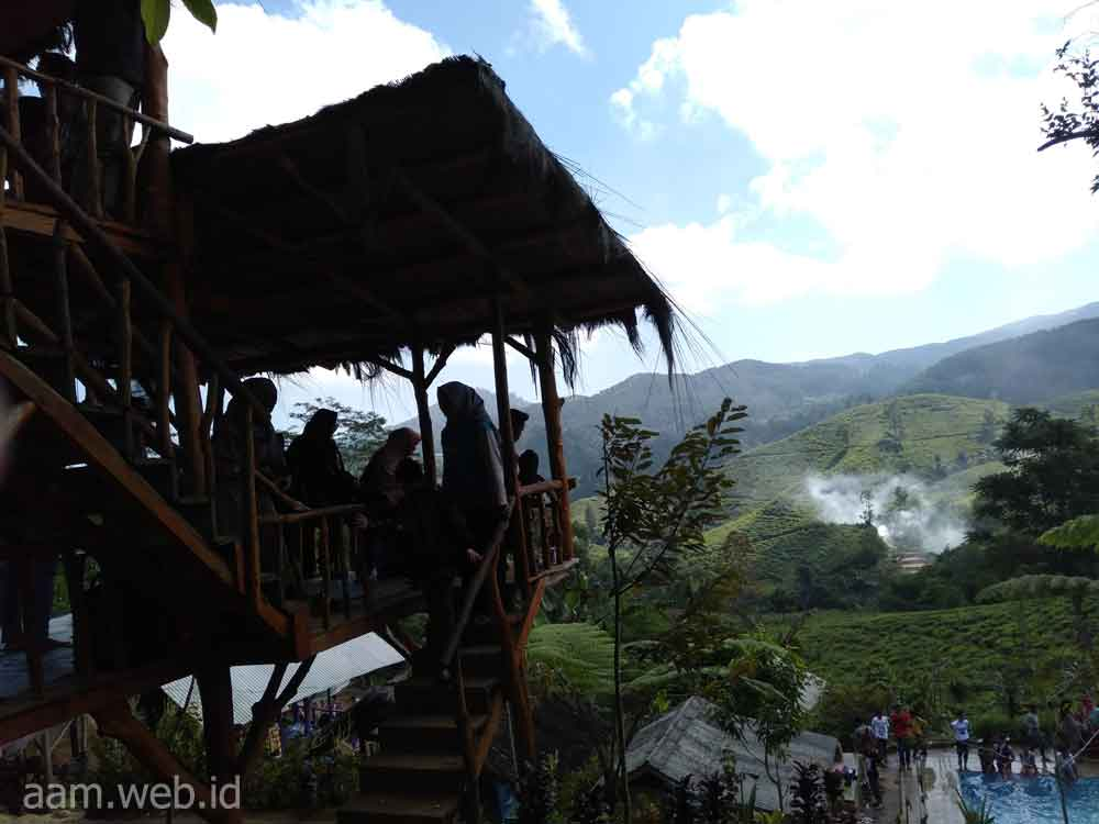 Wisata Alam Tasikmalaya Bukit Kecapi, Menikmati Indahnya Alam Perbukitan